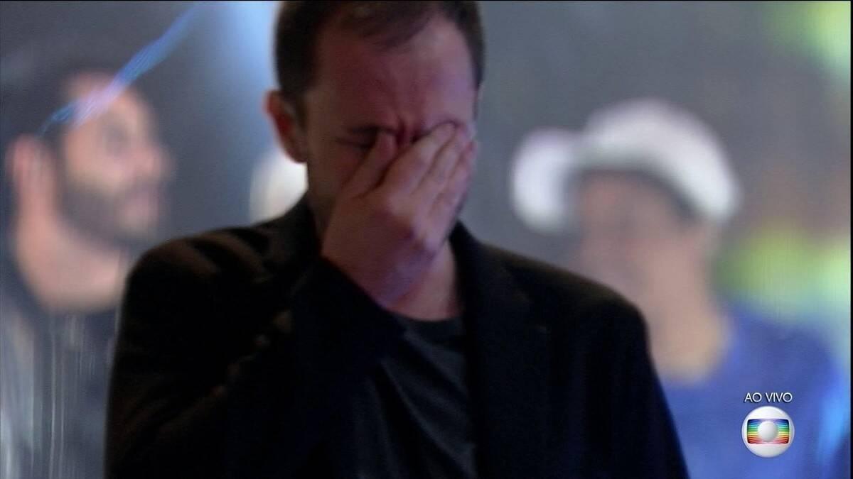 No BBB21 Tiago Leifert mostrou que é bem chorão e também se emocionou ao encerrar o reality com show dos próprios participantes. (Foto: Divulgação/Globo)