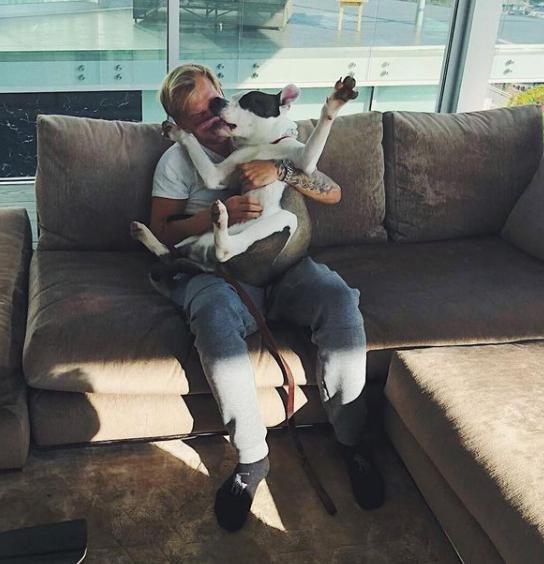 """""""Avicii X You"""", um projeto de """"música colaborativa"""" iniciada pelo produtor em 2013, recebeu pelo menos 12.951 submissões de mais de 4 mil artistas em apenas 1 mês de duração. (Foto: Instagram)"""
