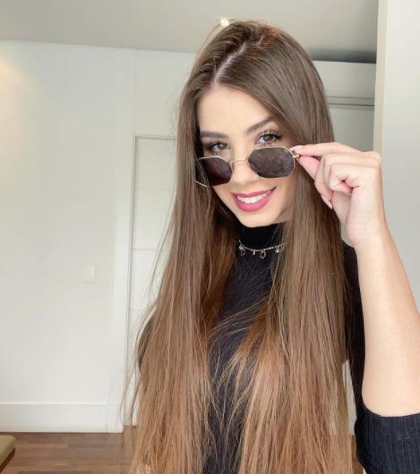 Maria Lina chama atenção por sua beleza (Foto: Instagram)