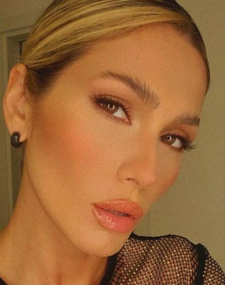 Lívia chama atenção por seu talento (Foto: Instagram)