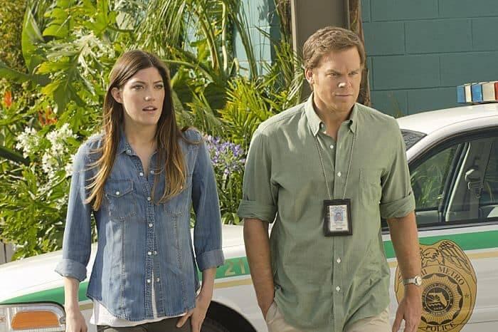 A irmã de Dexter, Debbie, também está na série (Foto: Divulgação)