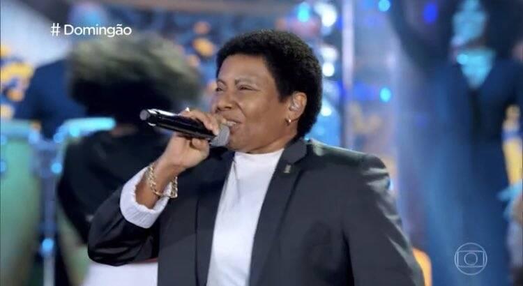 Margareth Menezes homenageou Neguinho da Beija-Flor. (Foto: Globo)