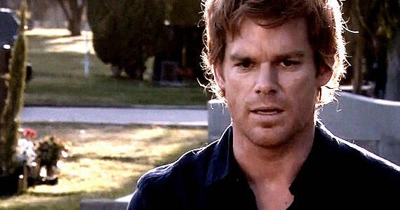 Dexter estará de volta com um revival. A série acompanha o serial killer policial, Dexter (Foto: Divulgação)