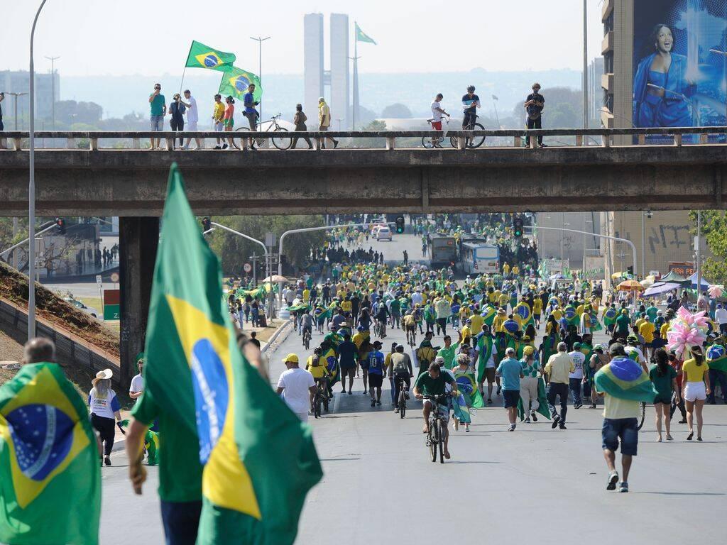 """O post chegou acompanhado de um longo texto de oposição ao governo. """"Brasil arrasta correntes fantasmagóricas, mas esse horror é pedagógico, apesar de doloroso. Amanhã é 8 de setembro! Seguimos!"""", escreveu a atriz. (Foto: Agência Brasil)"""