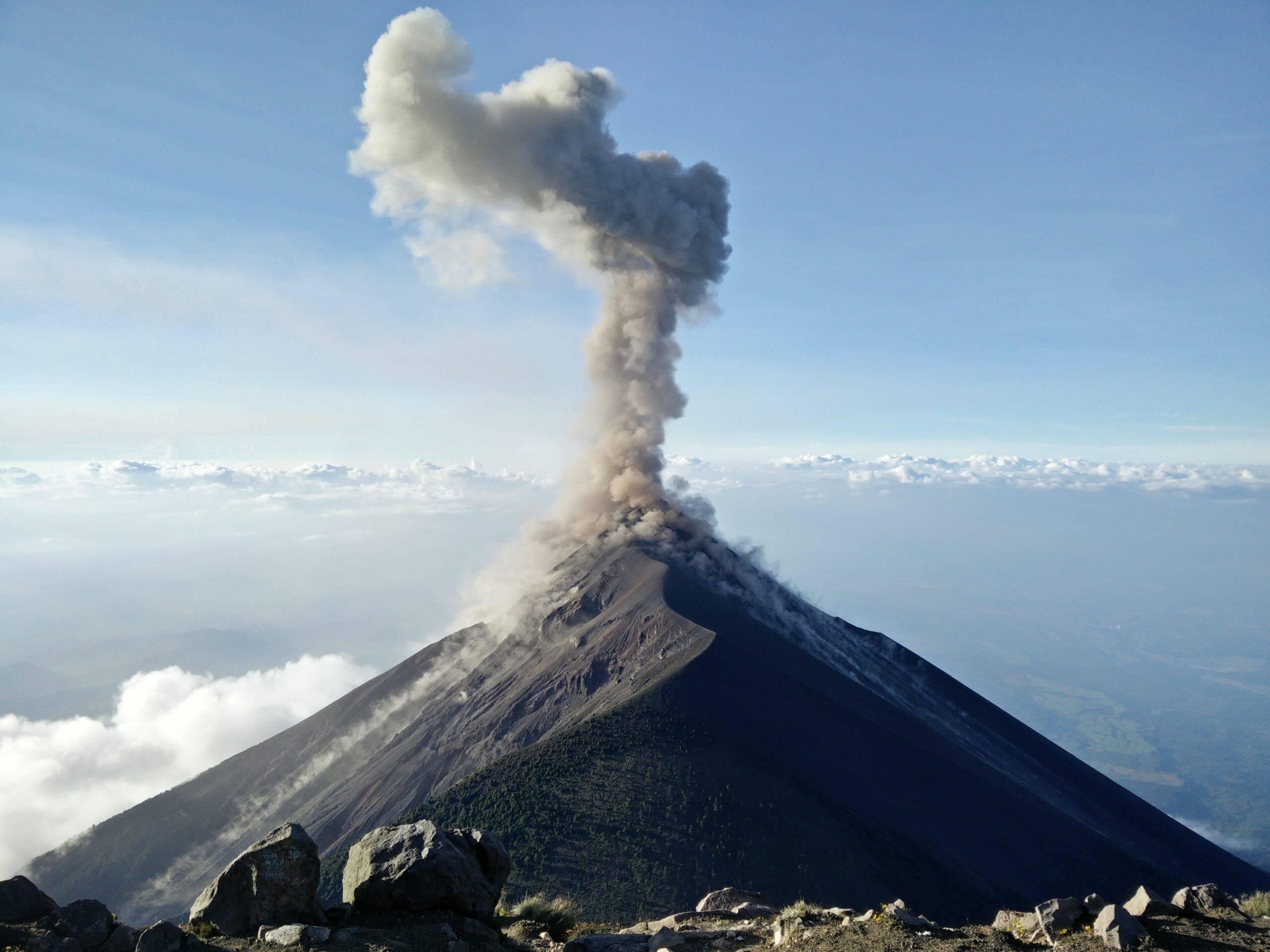 O Instituto Geográfico Nacional da Espanha detectou aproximadamente 4.222 tremores no parque nacional que fica em volta do vulcão. (Foto: Unsplash)