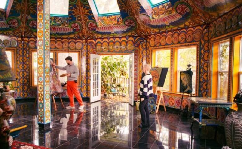 """""""Incríveis por Dentro"""" - A série apresenta casas com interiores excêntricos, grandes e criativos. Em cada episódio, os lugares apresentam conceitos e objetos inacreditáveis, que vão desde uma casa-aquário até uma montanha russa no jardim. (Foto: Divulgação)"""