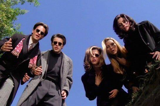 Friends- Seis amigos, três homens e três mulheres, enfrentam a vida e os amores em Nova York e adoram passar o tempo livre na cafeteria Central Perk (Foto: Divulgação)