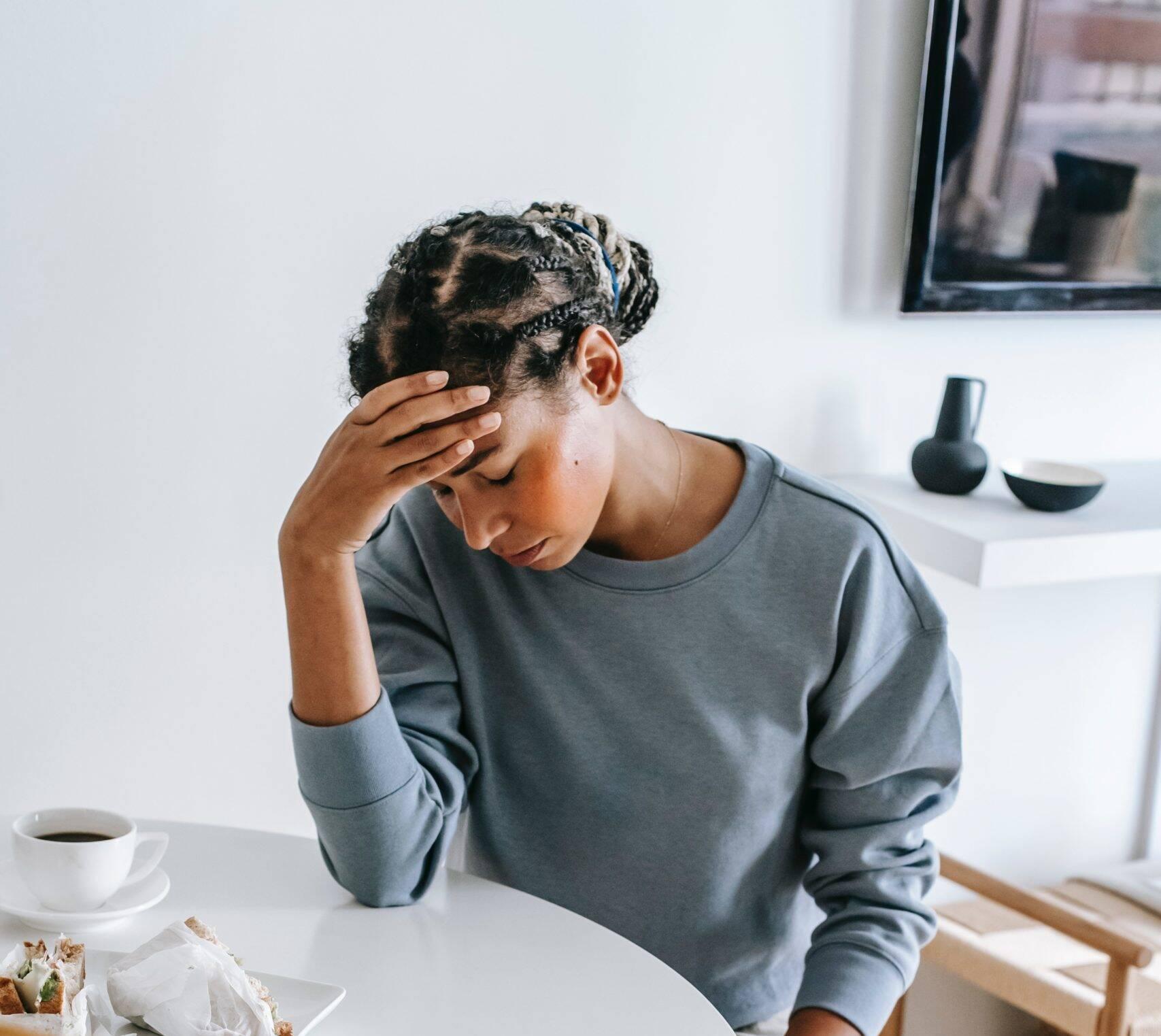 O número de pessoas diagnosticadas com depressão já veio crescendo gradualmente durante os últimos anos. Com a pandemia, a doença se agravou ainda mais. (Foto: Pexels)