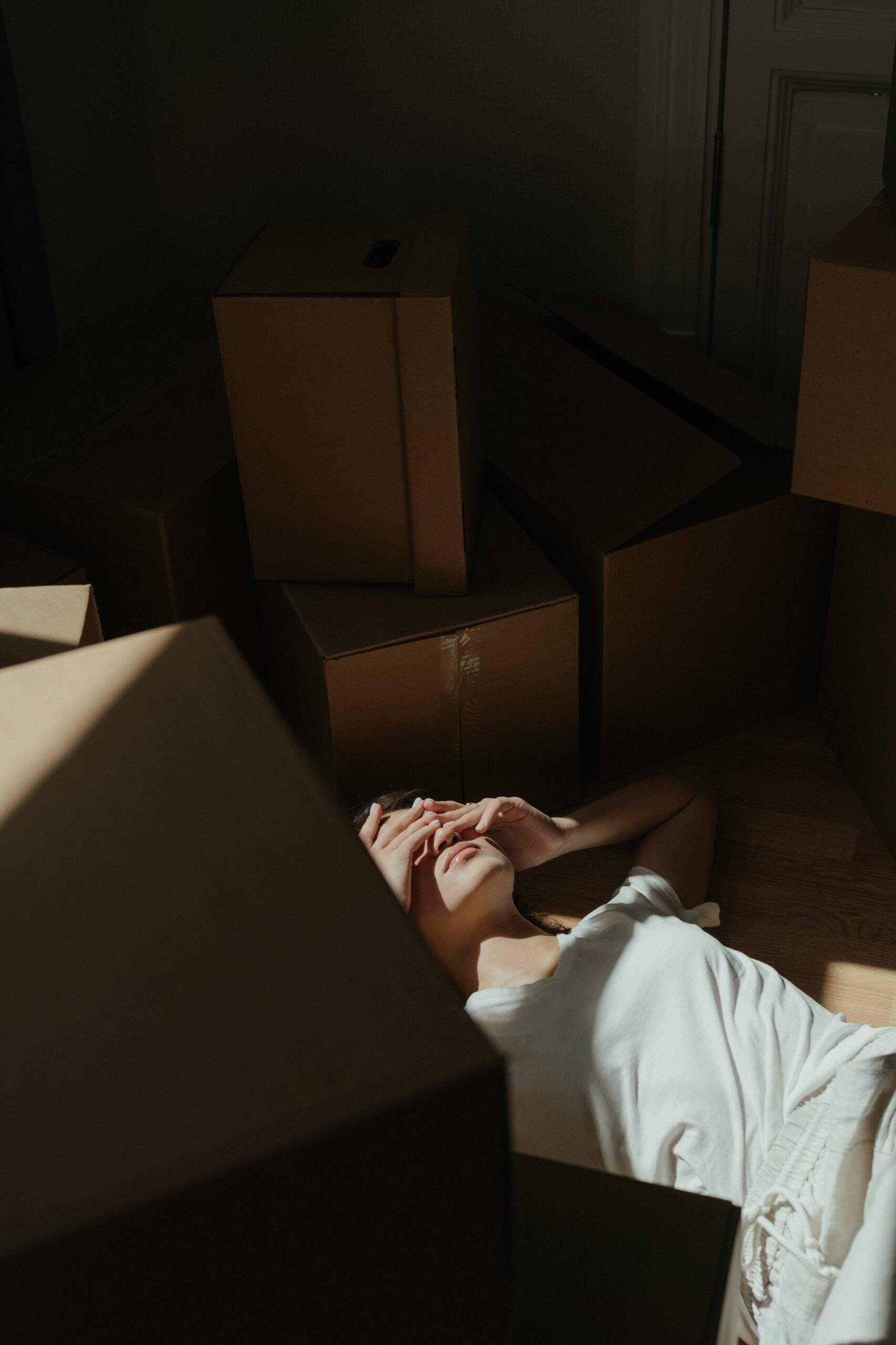 No sono, o transtorno pode atacar através de pesadelos ou até mesmo causa insônia. (Foto: Pexels)