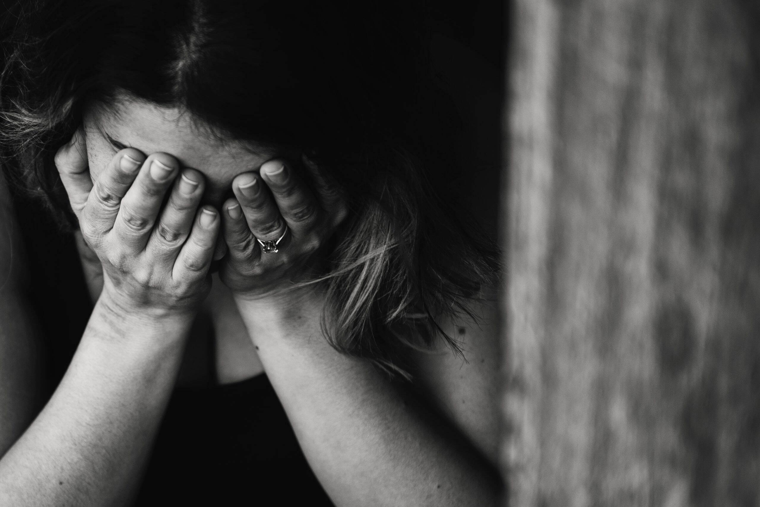 Além disso, quase 50% declararam conhecer pessoas que tiveram depressão no isolamento, sendo eles familiares ou amigos próximos. (Foto: Pexels)