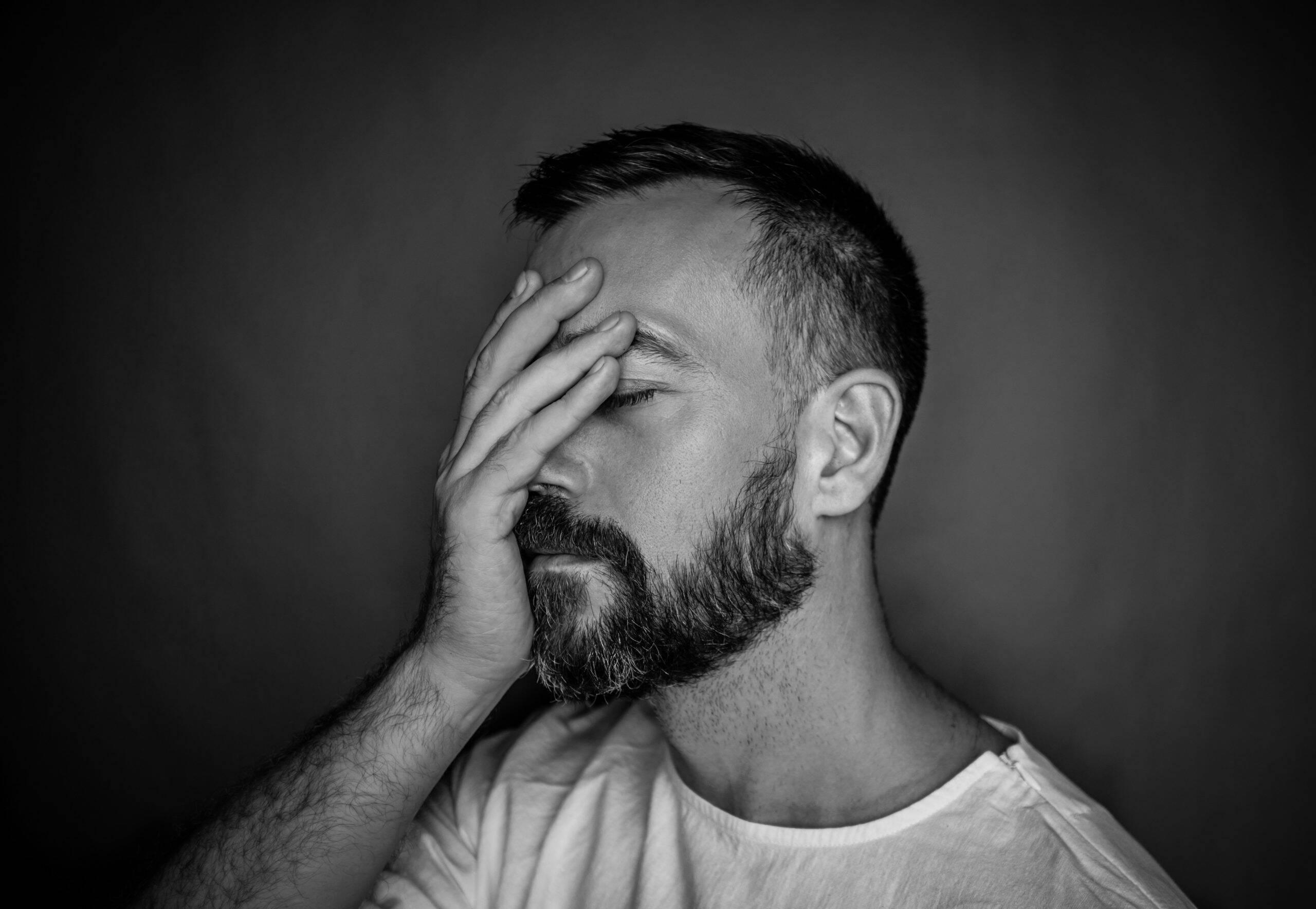 A ansiedade também pode ocasionar falta de concentração, pensamento acelerado ou pensamentos indesejados. (Foto: Pexels)