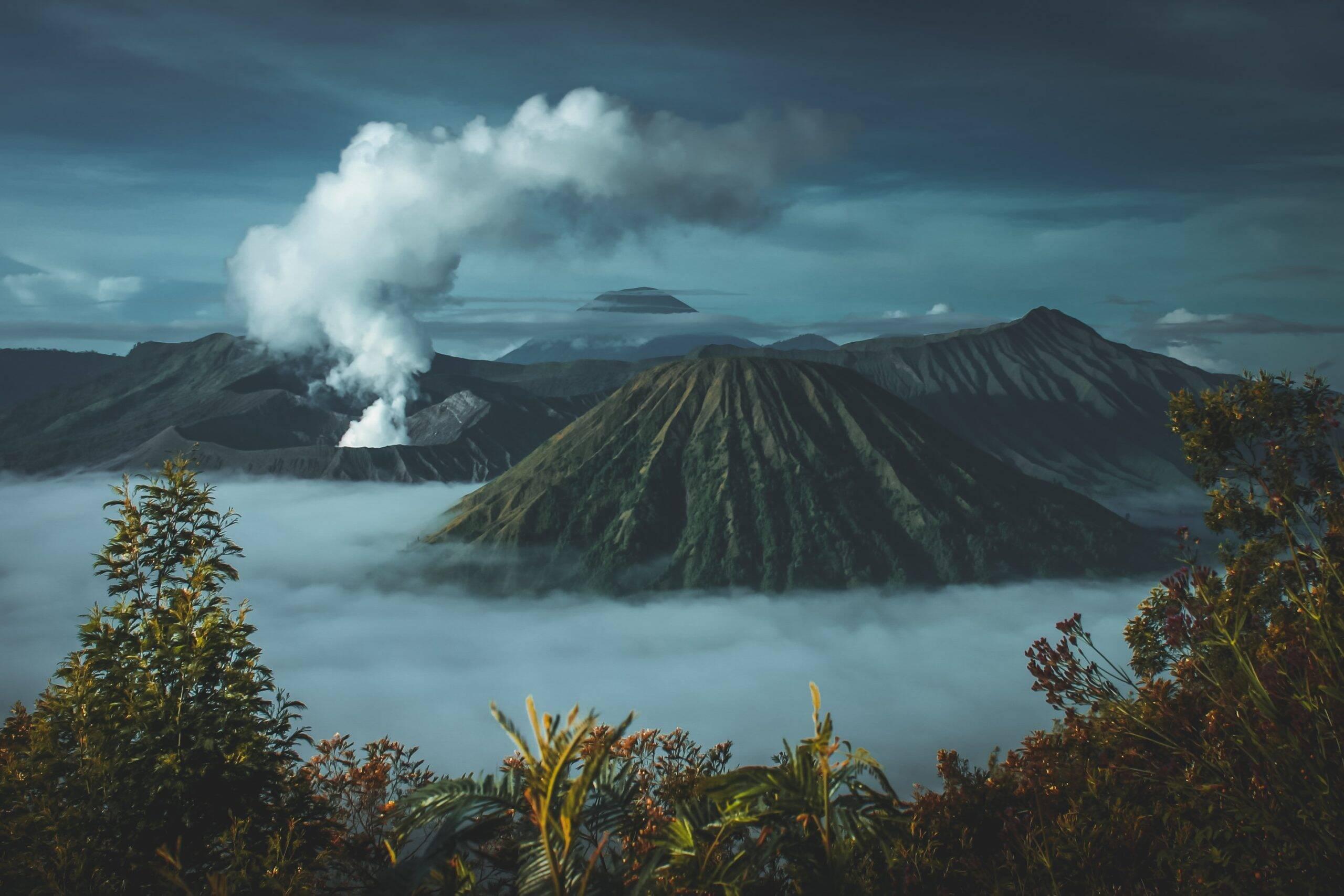 O local abriga também outros grandes vulcões, como o Teide em Tenerife e o Timanfaya em Lanzarote. (Foto: Unsplash)