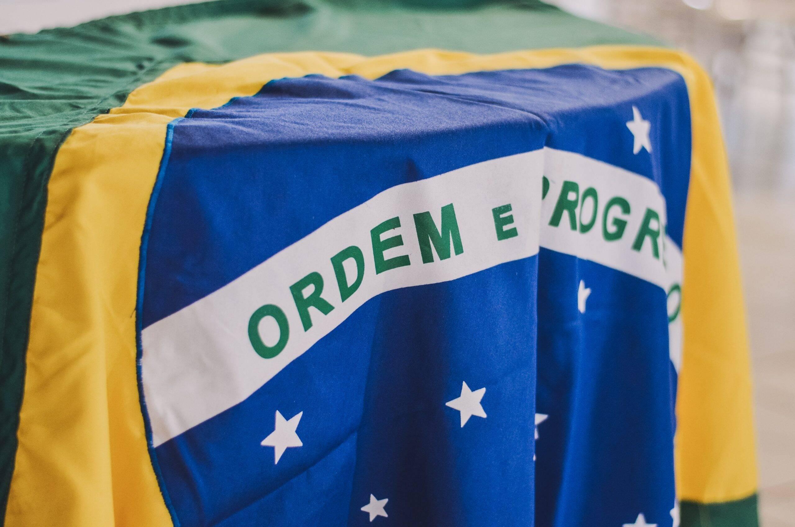 """O jogador publicou uma foto acompanhada das palavras proclamadas por D. Pedro I: """"Viva a independência e a separação do Brasil. Pelo meu sangue, pela minha honra, pelo meu Deus, juro promover a liberdade do Brasil. Independência ou morte!"""". (Foto: Unsplash)"""