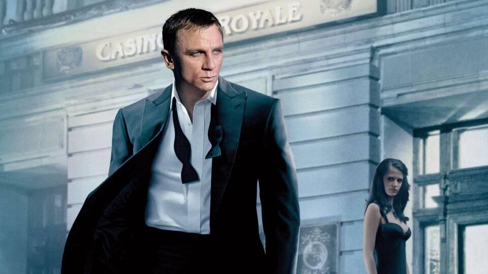 Casino Royale - Após receber licença para matar, James Bond embarca em sua primeira missão. O agente secreto participa de um jogo de pôquer de alto escalão para prejudicar os negócios de Le Chiffre, homem que financia grupos terroristas. (Foto: Divulgação)
