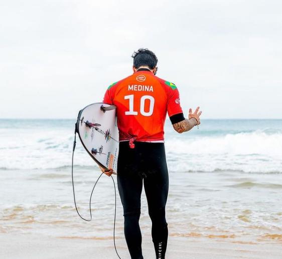 Depois de muitas intrigas entre Gabriel Medina e sua família, o surfista finalmente se entendeu com o seu pai (Foto: Instagram)