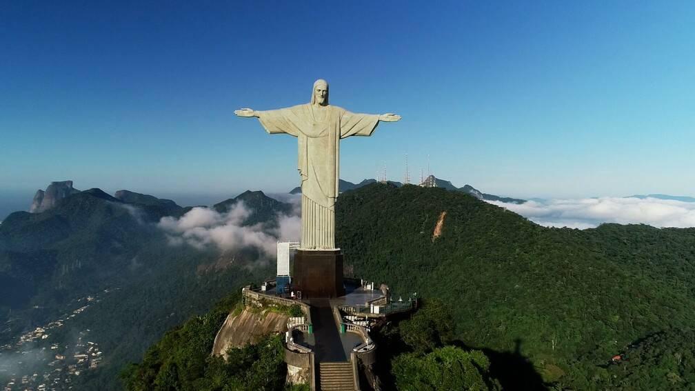 O Cristo Redentor, com seus 38 metros entre estátua e pedestal, é a terceira maior escultura de Cristo no mundo. (Foto: Divulgação/Globo Repórter)