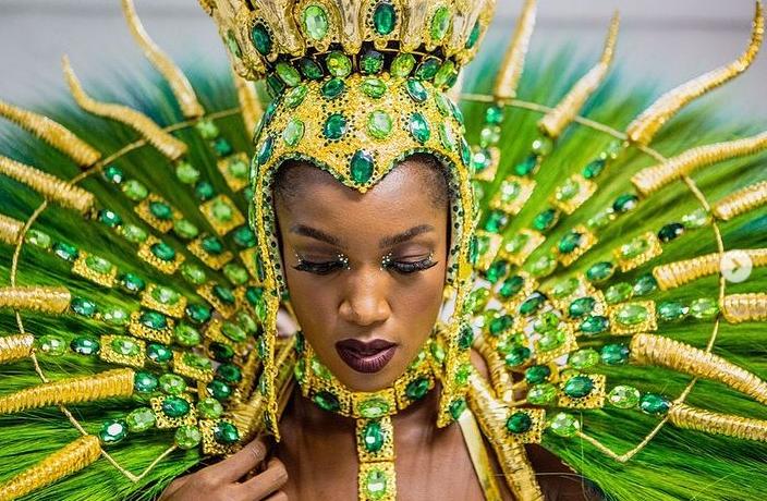 A cantora Iza segue como rainha de bateria no carnaval de 2022. (Foto: Instagram)