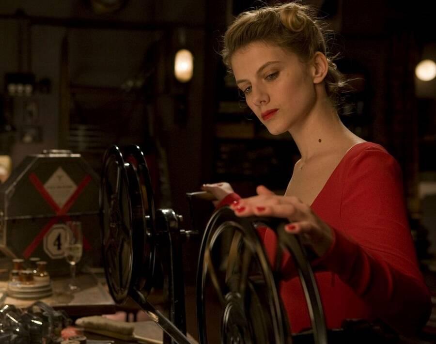 """Mélanie Laurent, estrela dos filmes """"Bastardos Inglórios"""", """"O Homem Duplicado"""" e """"Truque de Mestre"""", nasceu em Paris, na França. (Foto: Divulgação)"""