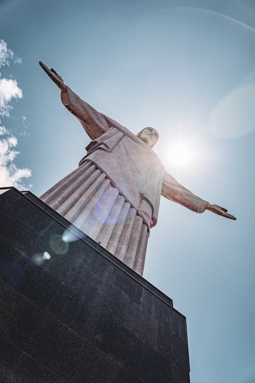 Construído entre 1926 e 1931, o monumento - incluindo o pedestal - tem a altura de um prédio de 13 andares. (Foto: Pexels)