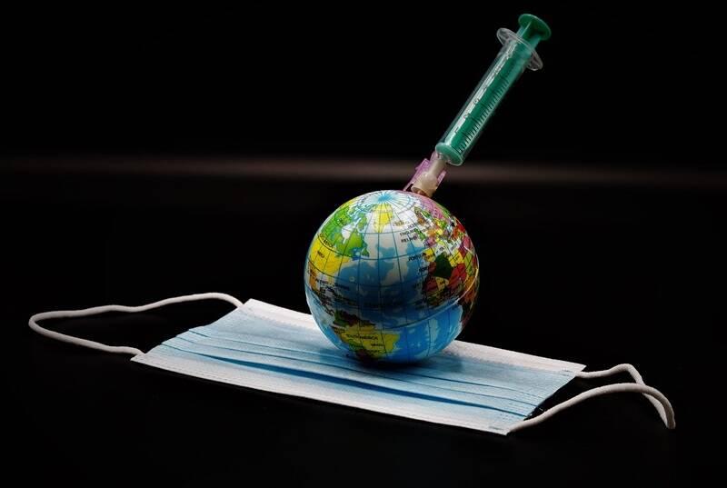 Em breve, todos os países poderão contar com uma vacina que tem total eficácia contra contra casos graves de covid-19. (Foto: Pixabay)